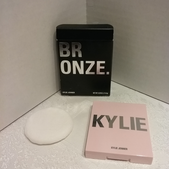 Kylie Cosmetics Other - Kylie Jenner Bronzing Powder in Tequila Tan